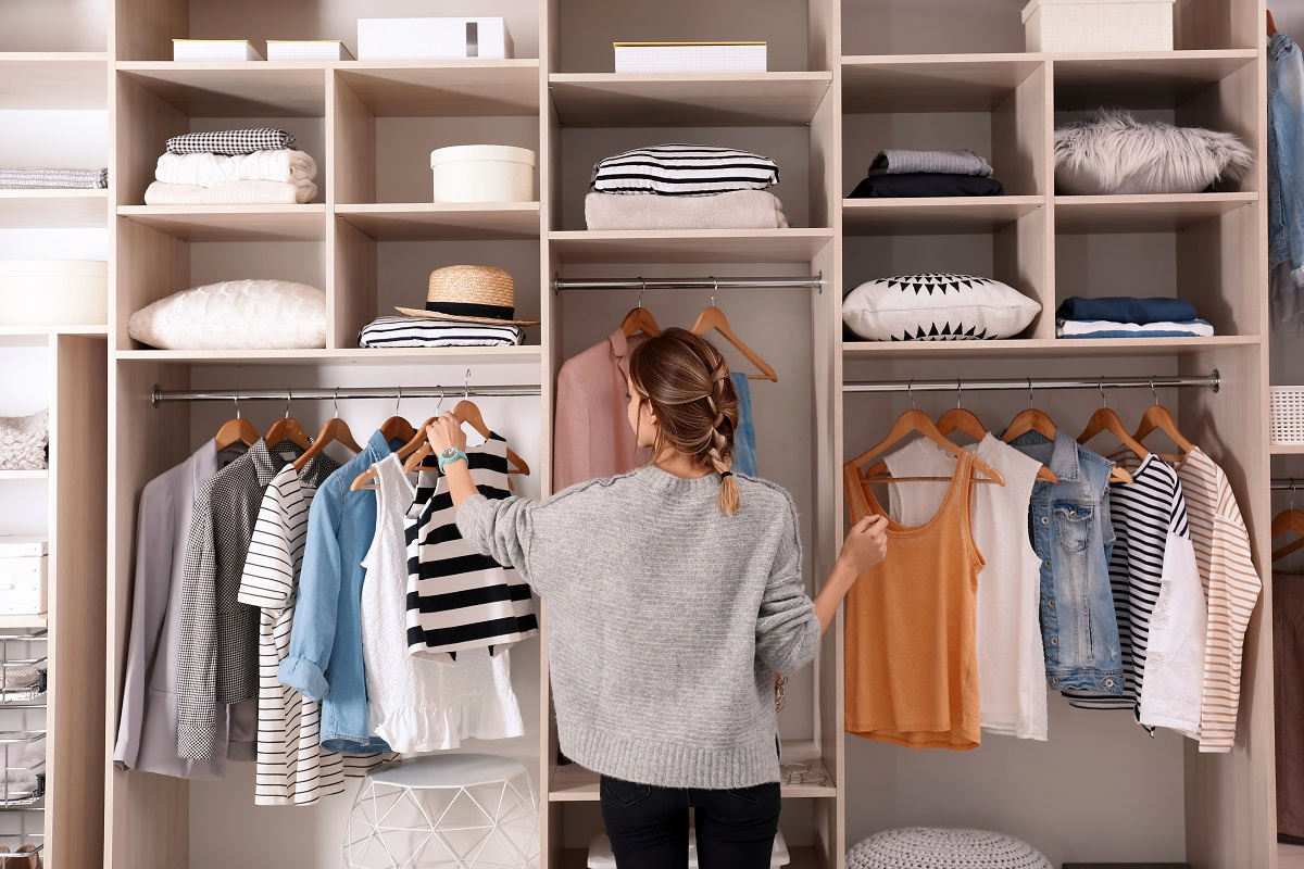 In 7 stappen een opgeruimde kledingkast